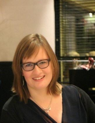 Carolien in Den haag back image