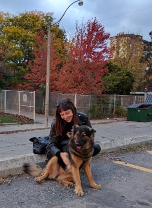 Samantha à Toronto back image