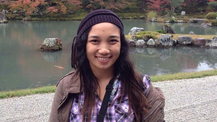 Claudette in Hong kong back image