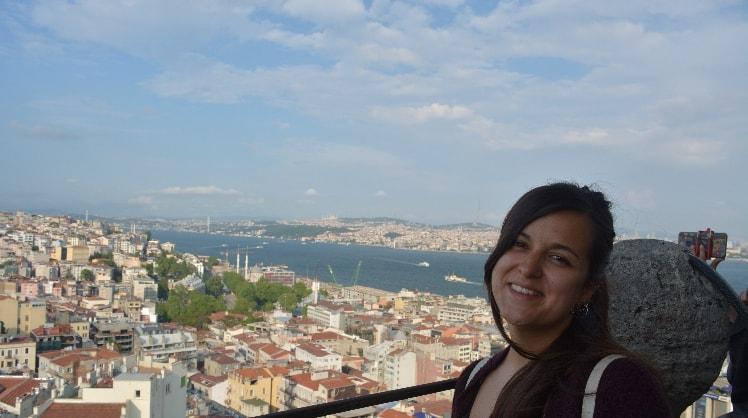 Mariana à Nice back image
