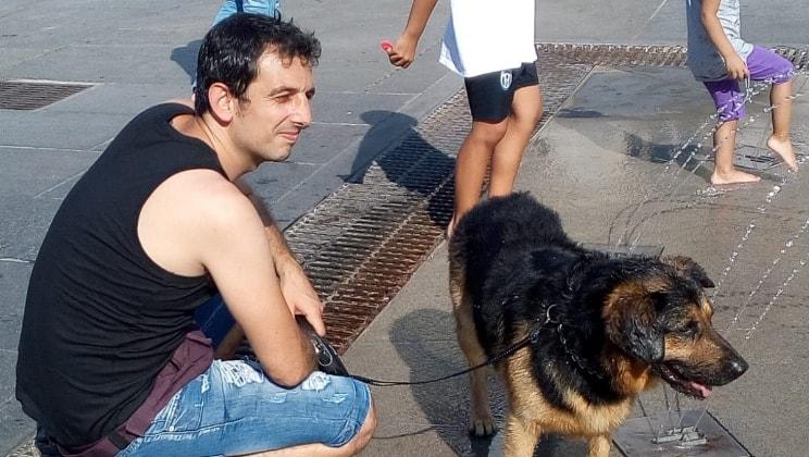simone a Torino back image