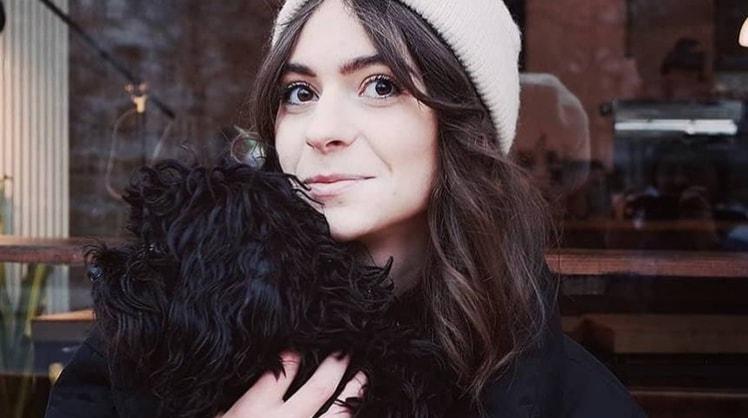 Emma in Berlin back image