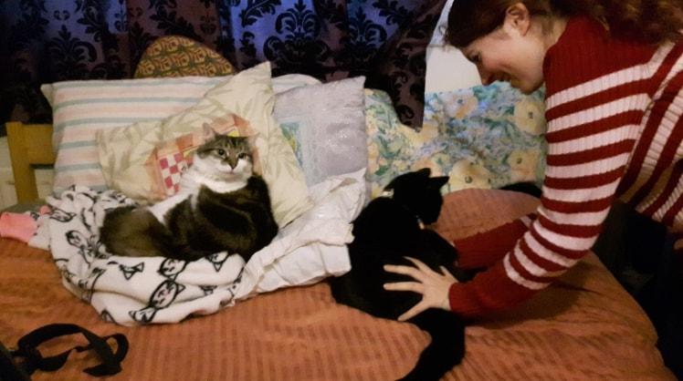 Ingrid and Tonia in Fleet back image