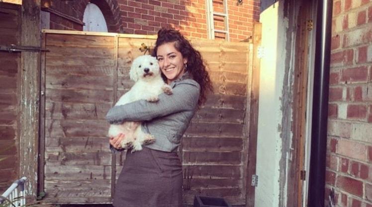 Alesha in Chessington back image