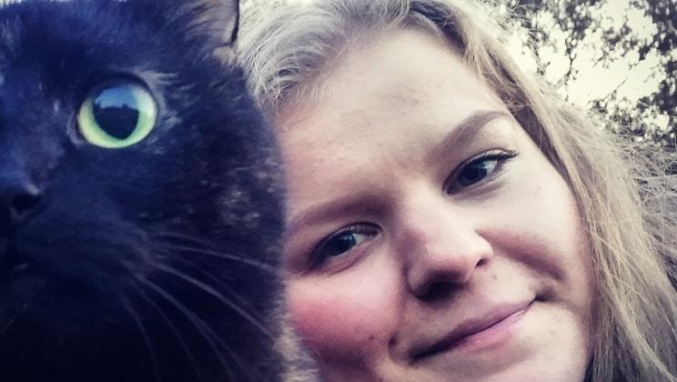 Julia - Oulu back image