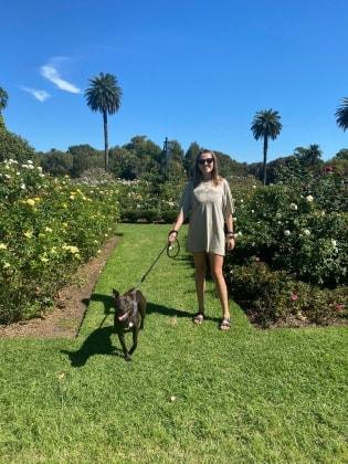 Lauren in Sydney back image