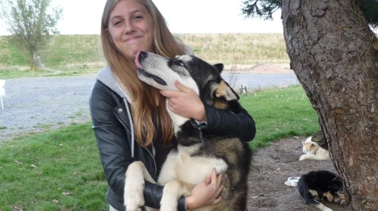 Laura in 2630 - aartselaar back image