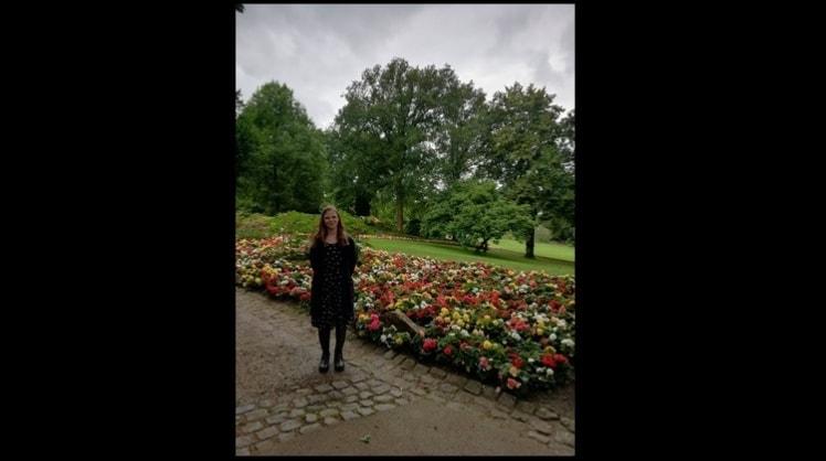 Larissa in Aachen back image